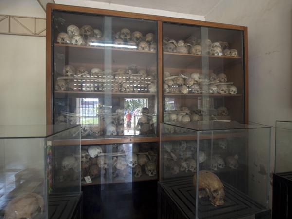 プノンペンのトゥール・スレン虐殺博物館。