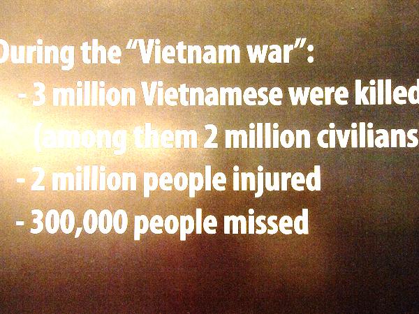 三百万人のベトナム人が死に、二百万人が怪我をし、三十万人が行方不明。
