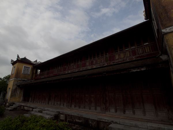 実は、北京の紫禁城を真似た王宮です。