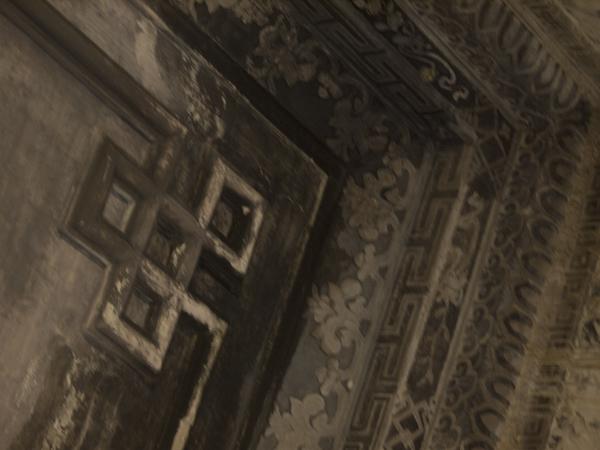 天井の隅。
