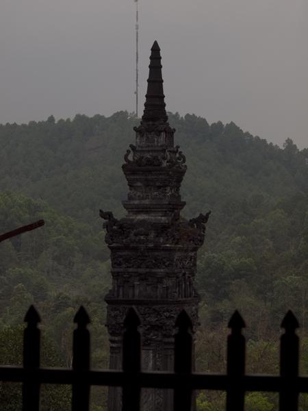 このカイディン帝廟は、西洋風とか、中国と西洋の折衷具合が面白いとか言われてるんだけど、正直に申し上げましょう。ボクにはよくわかりませんでした。