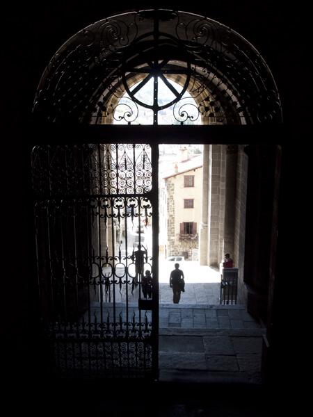 カテドラルの入口から、外。