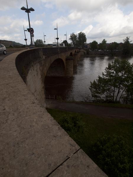 Cahorsの街にかかる橋。この橋で、巡礼手帳にスタンプを貰う。ジュースをご馳走になりました。