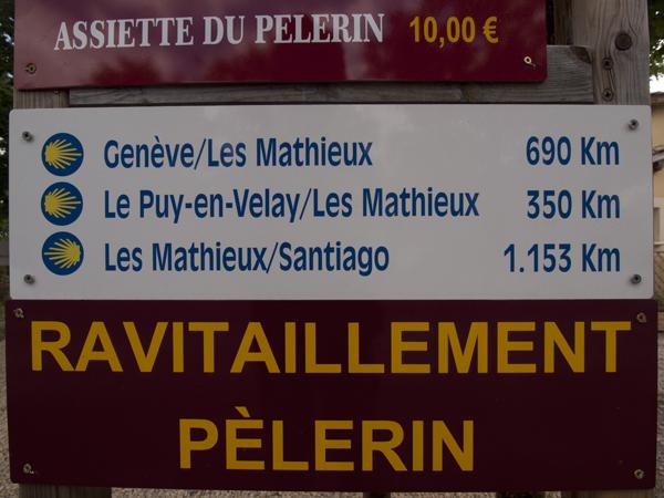 スタート地点のル・ピュイ=アン=ヴレから350km。ゴールのサンティアゴ・デ・コンポステーラまで、1153km。