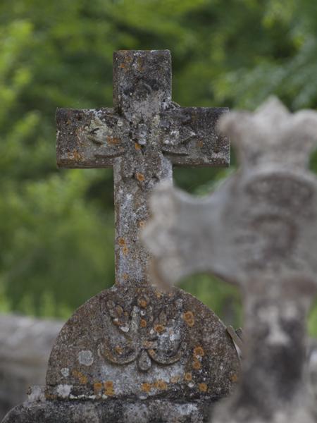 墓地の十字架。