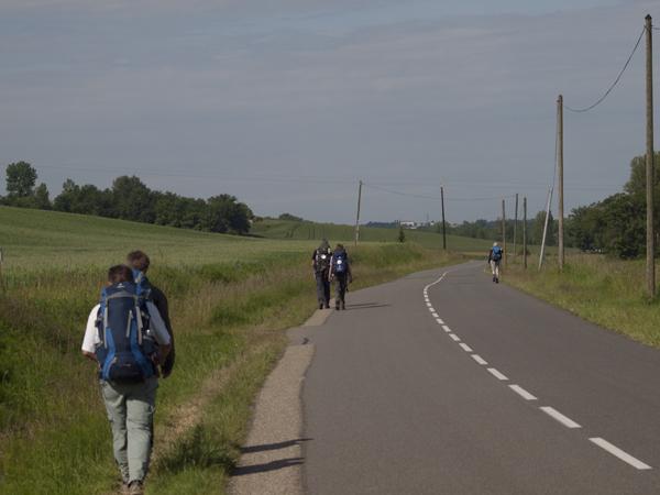 今日は巡礼者をよく見かけました。さては、晴れの日だけ歩いている奴がいるな。