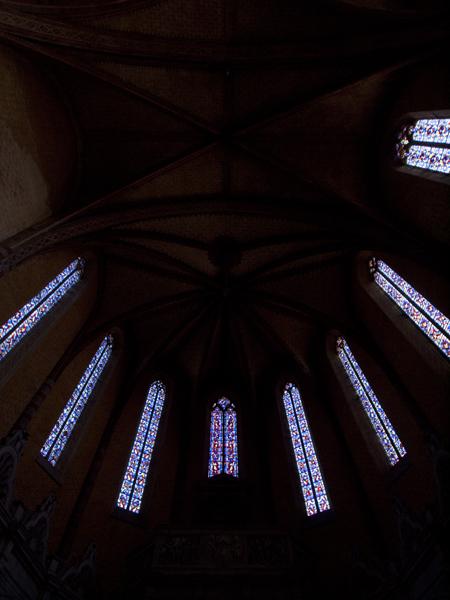 天井のステンドグラス。