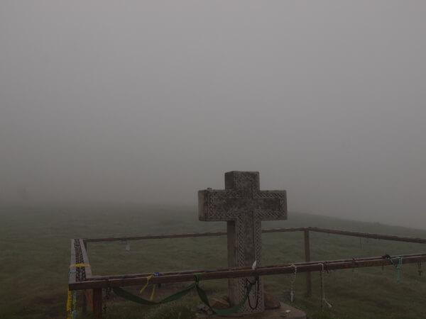 霧のなかって、写真を撮る気にもなれんです。