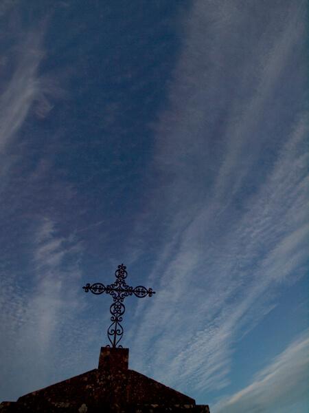 青空と十字架。