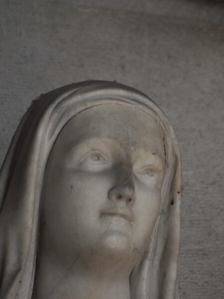 聖母マリア、でしょうか?