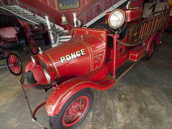 たぶん消防車。
