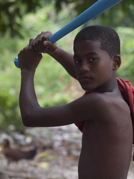 ドミニカ共和国出身の超有名なプロ野球選手は、サミーソーサ。