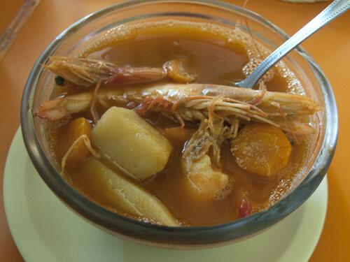 海老スープ(Caldo de Camaron)です。70ペソ(532円)。
