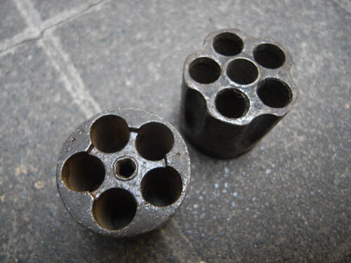 メキシコで買ったリボルバー式拳銃のシリンダーです。