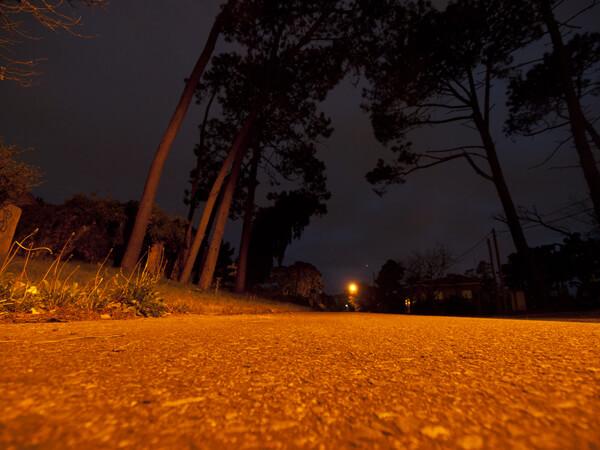 宿のまわりは、夜中に歩いても全然恐くない。というか、宿は鍵をかけないし。