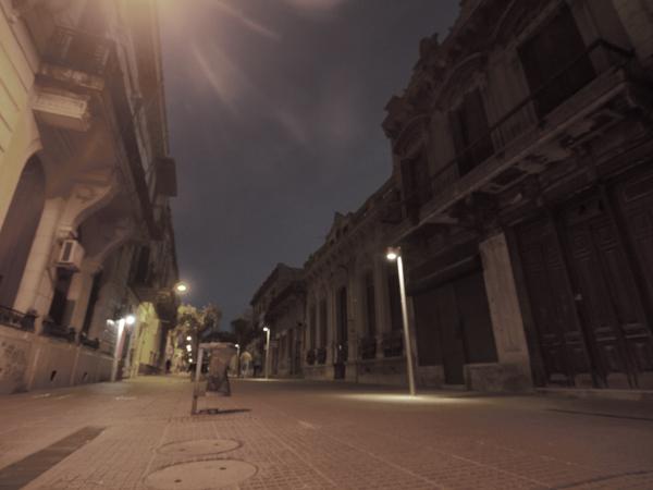 旧市街は、人通りが少ない。
