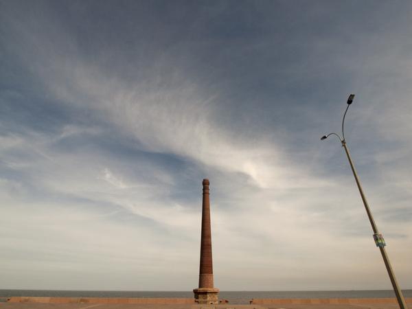 モンテビデオのゼロ番地を探したのですが、真剣に探さなかったのでよくわかりませんでした。この塔かもしれないっていうことで、勘弁させてもらいます。