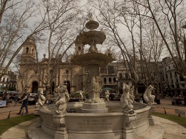 1871年にモンテビデオに水道が開通した記念の噴水。