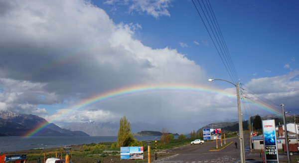 雨を避けては、虹は見れないのさ。