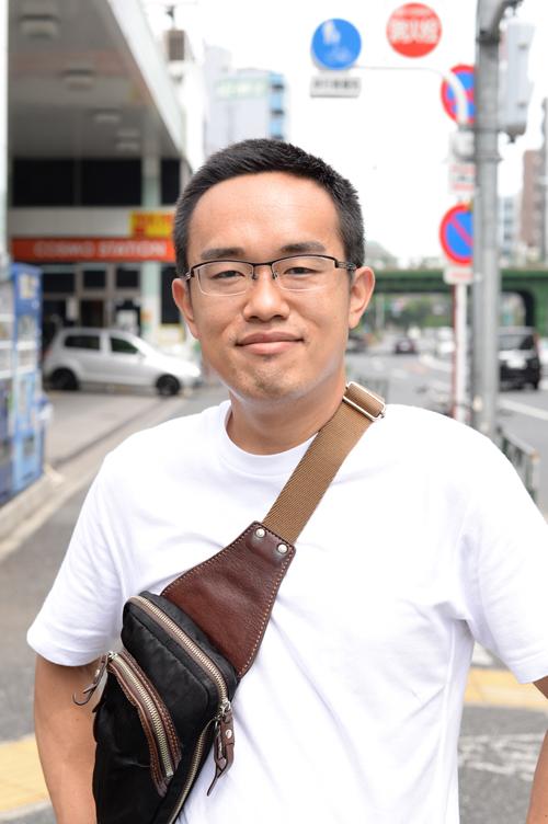 街角で、某モデルを撮影。新宿から船橋まで走る怪人。