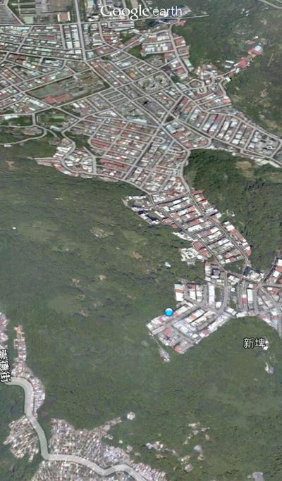 我が家は下の写真の青印です。台北の端です。後ろはジャングル。魔界の原生林。死、あるのみ。