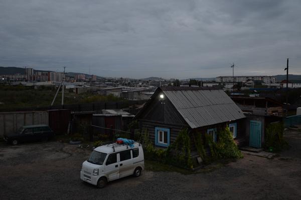 ホテルの敷地内にあるオーナーの家。山小屋風。