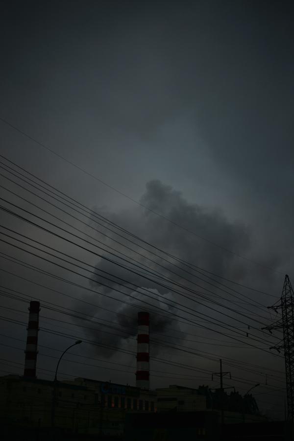 ノボシビルスクの今日の天気は、煙。